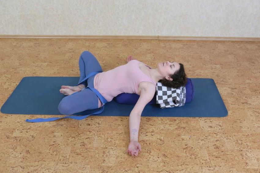Метод Фукуцудзи По Похудению. Валик Фукуцудзи. Размеры, упражнения для осанки, ног, позвоночника, шеи, противопоказания